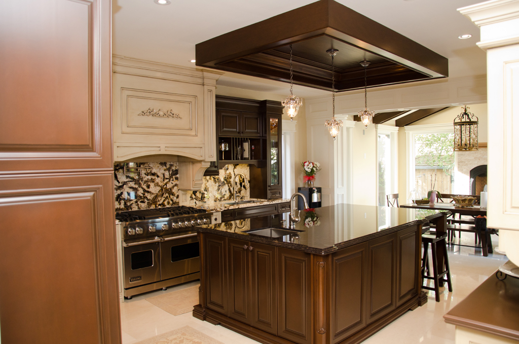 Legend custom kitchens bath outstanding prices for Cost of a new kitchen canada